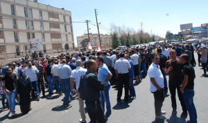 استمرار 3 عسكريين متقاعدين باضرابهم عن الطعام!