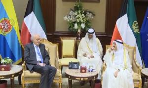 جنبلاط عرض وأمير الكويت العلاقات الثنائية
