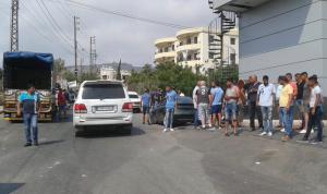 بالفيديو: اعتداء على شاحنات النفايات في علما – زغرتا