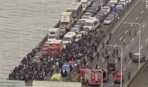في البرازيل.. احتجز 31 شخصًا في حافلة وهذا مصيره (صوَر)