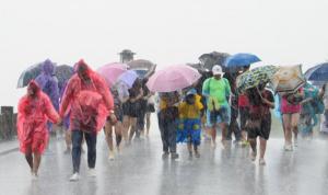 """إعصار """"ليكيما"""" يضرب الصين.. قتلى ومفقودون وأضرار جسيمة! (بالصور)"""