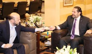 """الحريري تسلم من الرياشي دعوة لحضور قداس شهداء """"القوات"""""""