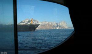 """الناقلة الإيرانية """"تراوغ العالم"""" في مياه المتوسط"""