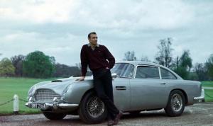 """بيع سيارة """"استون مارتن"""" من فيلم جايمس بوند بمبلغ خيالي"""