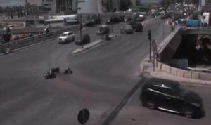 تسرّب مازوت على الجسر.. وهذا ما حصل مع السائق (بالفيديو)