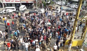 قطع الطرقات الدولية في المنية احتجاجاً على مطمر تربل