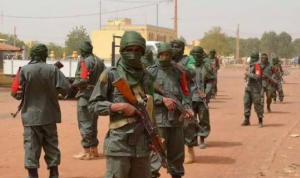 مقتل 15 شخصًا بهجوم مسلح على قافلة تجار شمال بوركينا فاسو