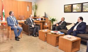 التطورات السياسية بين جعجع والسفير العراقي