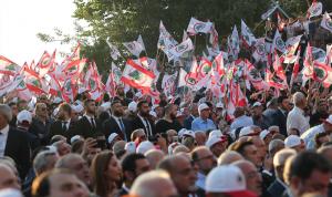 """""""القوات"""" تُطالب بتغيير الحكومة… هل يستقيل وزراؤها؟"""