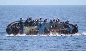 انقلاب مركب يقل أكثر من 50 راكبًا قبالة ساحل ليبيا