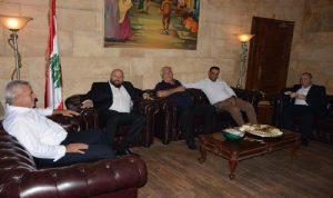 اجتماع في مكتب نهرا لبحث في نفايات المنية