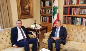 السنيورة عرض التطورات مع السفير البريطاني