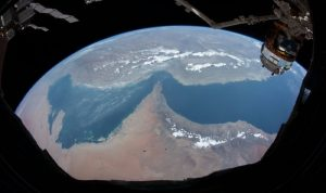 """""""من أسعد رائد فضاء إلى أسعد شعب.. هنا الإمارات من الفضاء"""""""