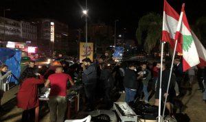 """اعتصام للحراك في ساحة العلم وعشاء """"خبز وملح"""""""
