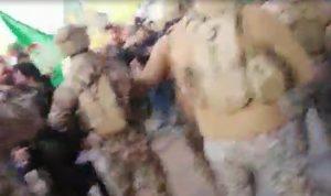 بالفيديو- الاعتداء على المتظاهرين في بعلبك وسقوط جرحى
