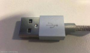 """تحذير: لا تستخدموا كابل """"USB"""" سوى بهذه الطريقة"""