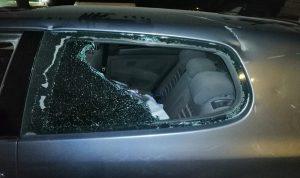 """بالصور والفيديو- مناصرو الكتائب يرشقون """"الوطني الحر"""" بالحجارة… وإصابة امراة"""
