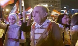 """""""بوست"""" يختصر الثورة: """"بكيت فرح لما شفت لبنان عم يولد قبل ما موت"""""""