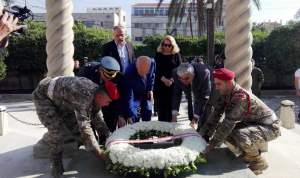 مراد وضع إكليلاً من الزهر على ضريح الرئيس رياض الصلح