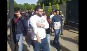 بالفيديو: طلاب الـNDU يقاطعون الصفوف