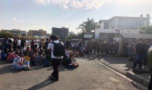اعتصام امام قصر عدل صور بالتزامن مع بدء محاكمة موقوفين