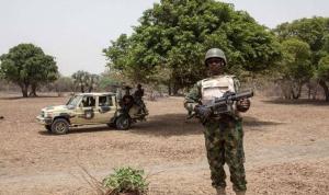 """مقتل أربعة عسكريين و63 """"مسلحا"""" خلال اشتباكات في النيجر"""