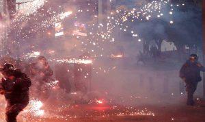 احراق خيم في ساحة الشهداء (فيديو)