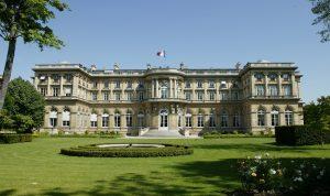 """""""الخارجية"""" الفرنسية: دعمنا للحكومة مشروط… إصلاحات ونأي بالنفس"""