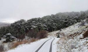 الثلوج تقطع هذه الطرقات