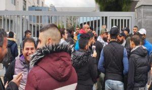 محتجون اعتصموا امام مرفأ طرابلس
