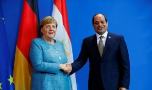 السيسي وميركل يؤكدان رفض التدخلات الأجنبية في ليبيا