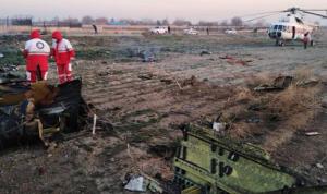 بالفيديو والصور: تحطم طائرة ركاب أوكرانية في إيران