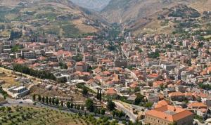 في الفرزل.. القبض على لبناني وسوري حاولا سرقة سوبرماركت