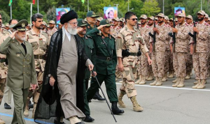 الجيش الإيراني: نقف بقوة أمام أي عدو