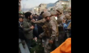 بالفيديو والصور: فتح أوتوستراد جونيه واعتقال عدد من المحتجين