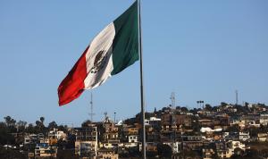 المكسيك ترحّب بقرار بايدن لوقف بناء الجدار الحدودي