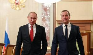 بوتين يوافق على استقالة الحكومة الروسية