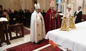 """الكنيسة والتصدّي لكورونا… الإيمان بالقلب و""""مش ع الدرب"""""""