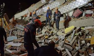 أرقام جديدة لضحايا الزلزال في تركيا
