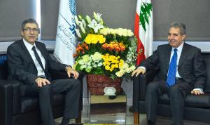 الاوضاع العامة بين وزني ونائب مدير المكتب التنفيذي في صندوق النقد