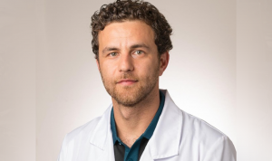 طبيب لبناني نجح في جراحة الروبوت في سويسرا وخارجها!