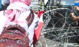 بالفيديو: الاعتداء على فريق الـmtv في محيط السفارة الأميركية