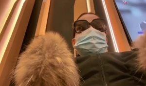 كارول سماحة ترتدي الكمامة في المطار: الحذر واجب