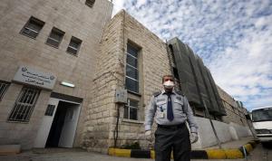 الأردن يوصي جميع مواطنيه بوضع الكمامات في الأماكن العامة