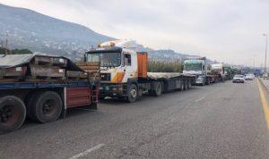 اعتصام لأصحاب شاحنات النقل: نرفض زج القطاع بالمماحكات السياسية