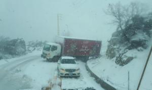 إنقاذ مواطنين على طريق ترشيش-زحلة