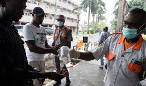 """""""توقع سلبي"""" من الصحة العالمية بشأن كورونا في أفريقيا"""