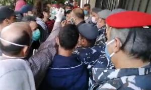 توتر في حلبا… تدافع وإطلاق نار! (بالفيديو)