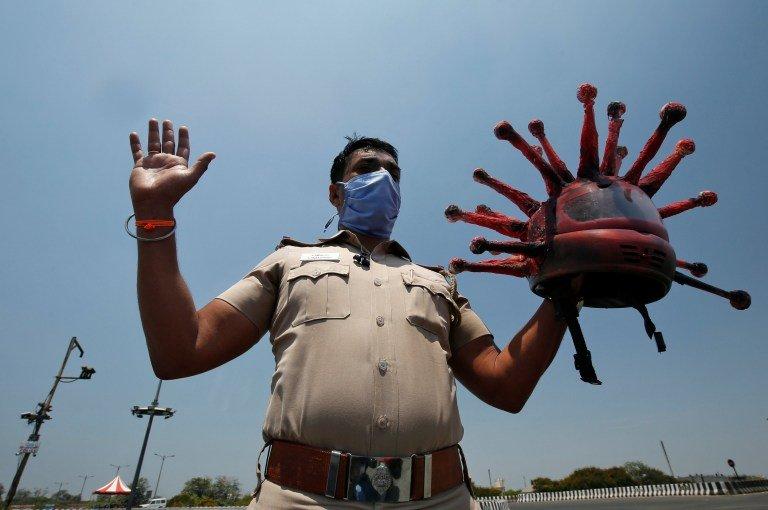 الهند… إصابات كورونا اليومية تلامس الـ400 ألف
