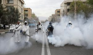 مستشار روحاني: كل 10 دقائق يتوفى مواطن إيراني بكورونا
